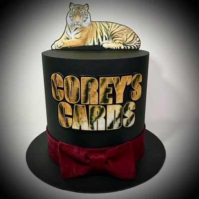 Top hat gift card box with a tiger and red bow tie.